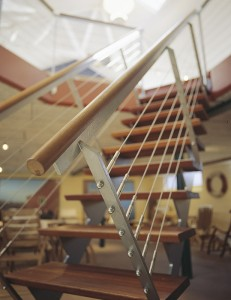 Trin og håndliste til ståltrappe